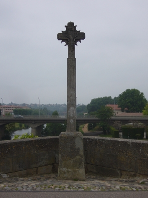 Croix pont vieux 2.JPG