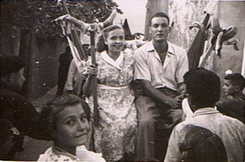 TOUR DE L'ANE 15 AOUT 1952 MANOU & ANDRE BESTUE.JPEG