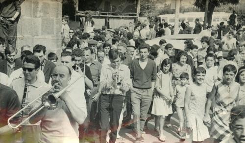Tour de l'âne à la Cité. 9 juillet 1965.jpg
