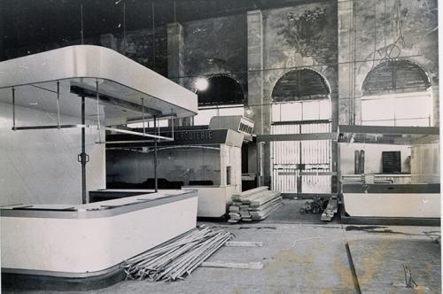 Rénovation des Halles Mars 1982 .jpg