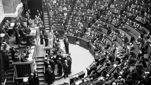 de-gaulle-assemblee-constituante-en-novembre-1945.jpg