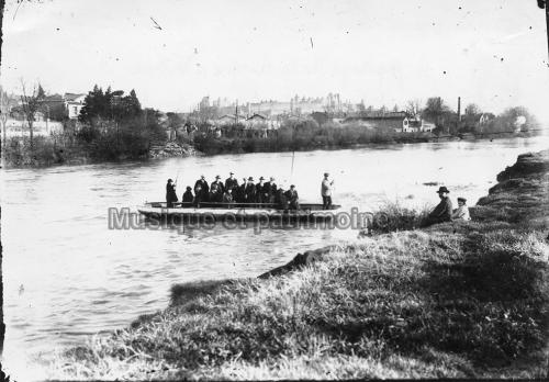 Barque à Titine en 1926.jpg