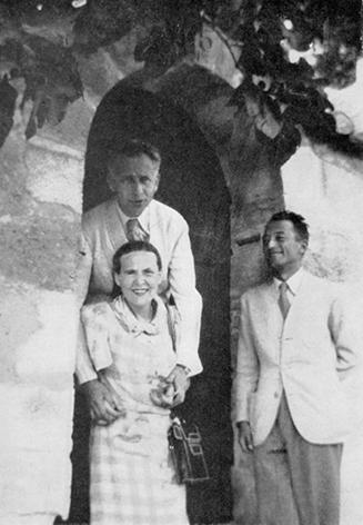 Seghers, Aragon_&_Triolet_1941. Villeneuve les avignon.jpg