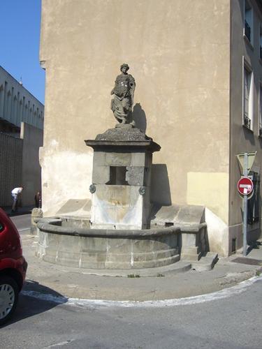 fontaine Rue du pont vieux.jpg
