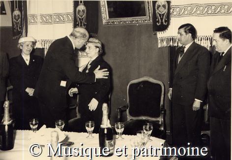 remise légion d'honneur 1957.jpg