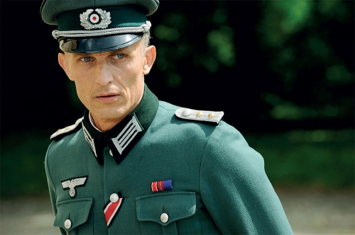 richard-sammel-la-gueule-de-l-emploi-de-nazi,M180706.jpg