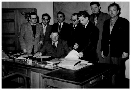 Commissaire René Garnon avec ses inspecteurs.jpg