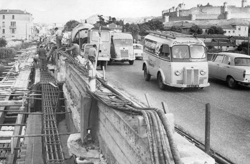 Elargissement du Pont Neuf vers 1964.jpg