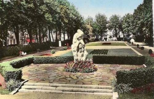 en-1948-le-monument-dedie-a-la-resistance-est-inaugure_571704_516x332.jpg