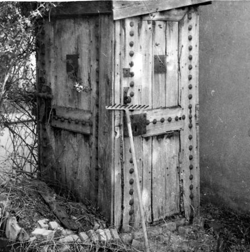Ancienne Prison J Jaurès portes de prison réutilisées.jpg