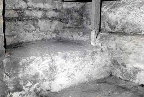 Cellule de Prison sous la Rue Mage.jpg