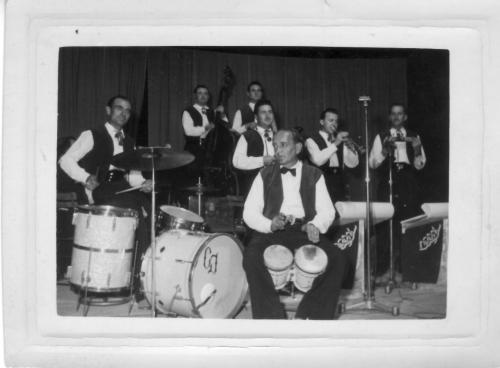 Orchestre Doddy et ses muchachos.jpg