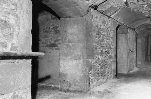 Ancienne Prison sous Préau JJaures  Les cellules et un cellule de réclusion.jpg