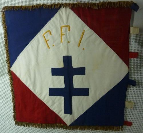 136_Drapeau_de_la_2e_compagnie_du_1er_bataillon_des_FFI_du_Finistère.jpg