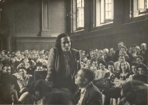 Mercedes Núñez témoignant au procès Bach à Carcassonne 27.07.1945 Archives Pablo Iglesias Núñez .jpg