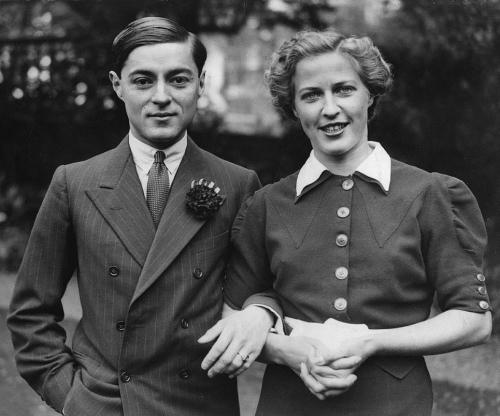 Chula_Chakrabongse_and_Elizabeth_Hunter_1936.jpg