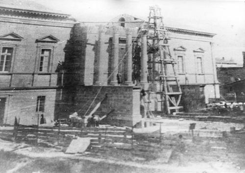 construction du Palais de Justice en  1870.jpg