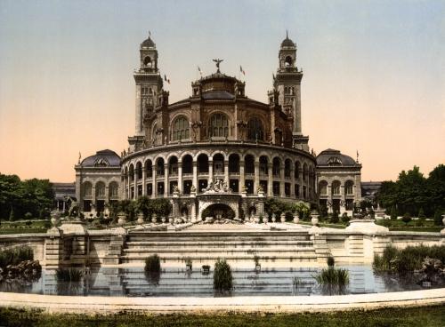 The_Trocadero,_Exposition_Universal,_1900,_Paris,_France.jpg