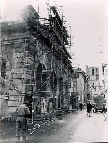 Rénovation des Halles Mars 1982  1.jpg