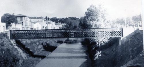 Passerelle du Canal avant sa Démolition en 1974 1.jpg .jpg