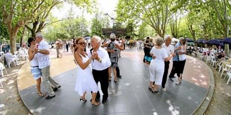plus-d-une-centaine-de-personnes-viennent-ici-danser-tous_296082_510x255.jpg