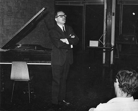 M. Briguet pianiste Conférencier vers 1970 .jpg