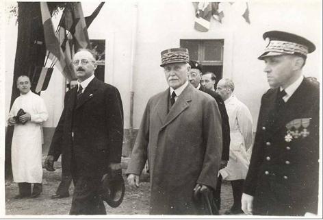 Pétain 1942. Maternité.jpg