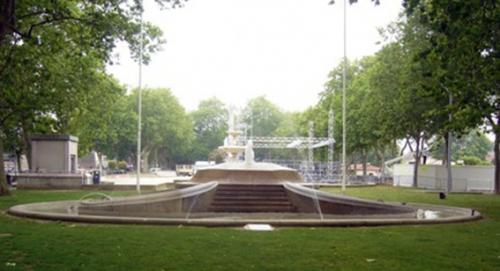 fontaine square.jpg