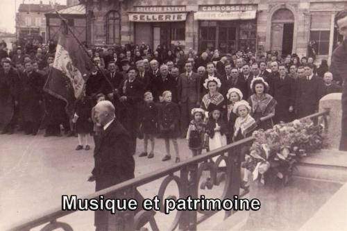 Cérémonie Monument aux morts de Carcassonne. 3 Décembre 1944.jpg