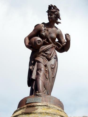 statue-la-samaritaine.jpg