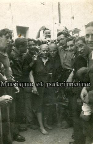 Femmes tondues à la libération de Carcassonne.jpg